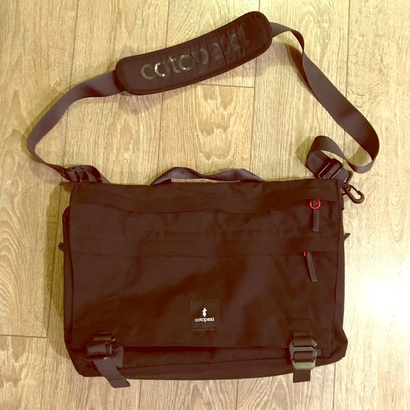 3738213fa8 Cotopaxi Other - Brand New Cotopaxi Messenger Bag.